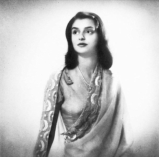 Gayatri Devi photos