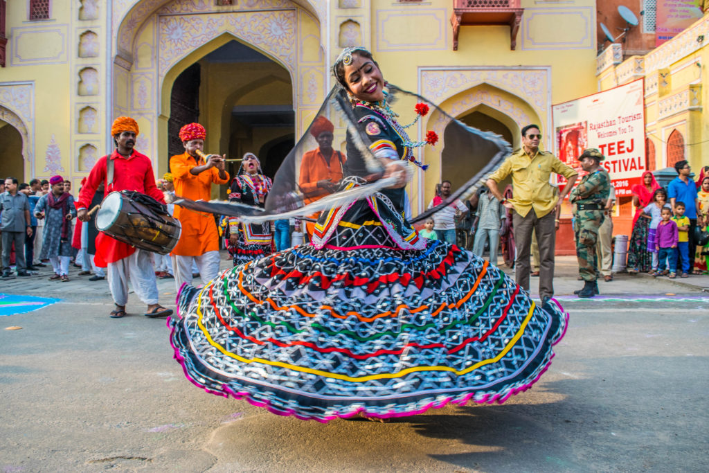 Artists at Teej procession 2016 in Jaipur