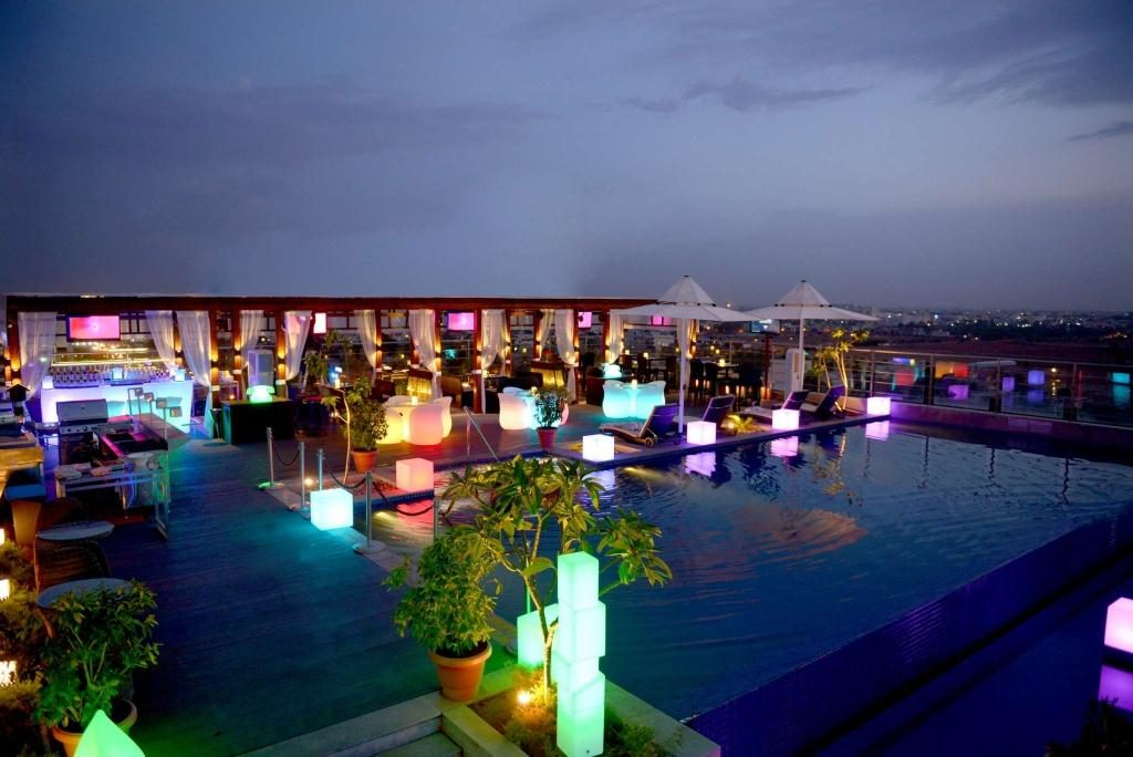Places for party in Jaipur