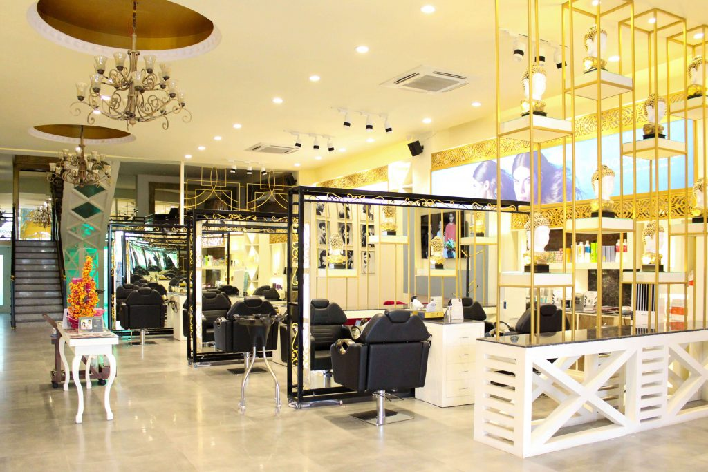 Luxury Salon in Jaipur, Sizzlin Scizzors